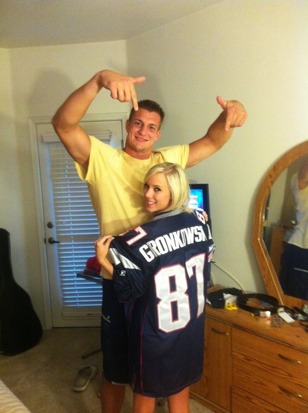 Follow my favorite football player @@RobGronkowski #patriots ;)