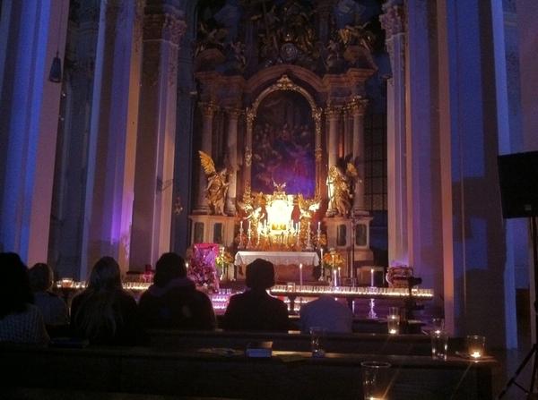 Auf d Rückweh v #bcmuc in d @niederlassung coole Aktion #stayandpray i d Heilig Geist #Kirche / Viktualienmarkt :)