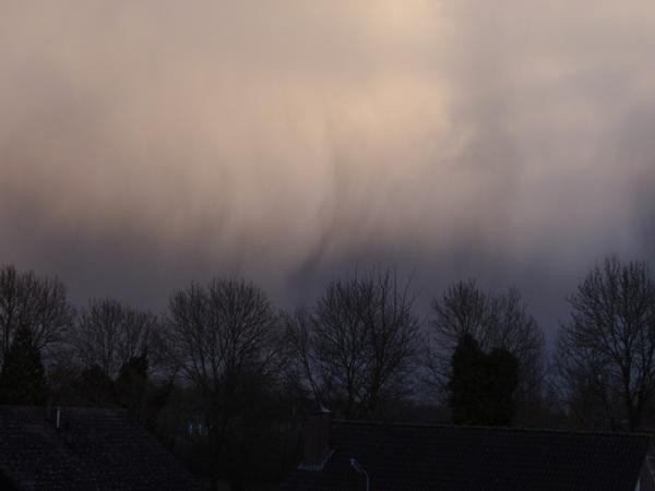Hoosbui met zware windstoten Oud-Vossemeer (Zld) #buienradar