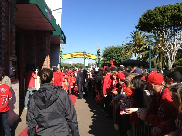 #Angels Josh Hamilton meets some fans