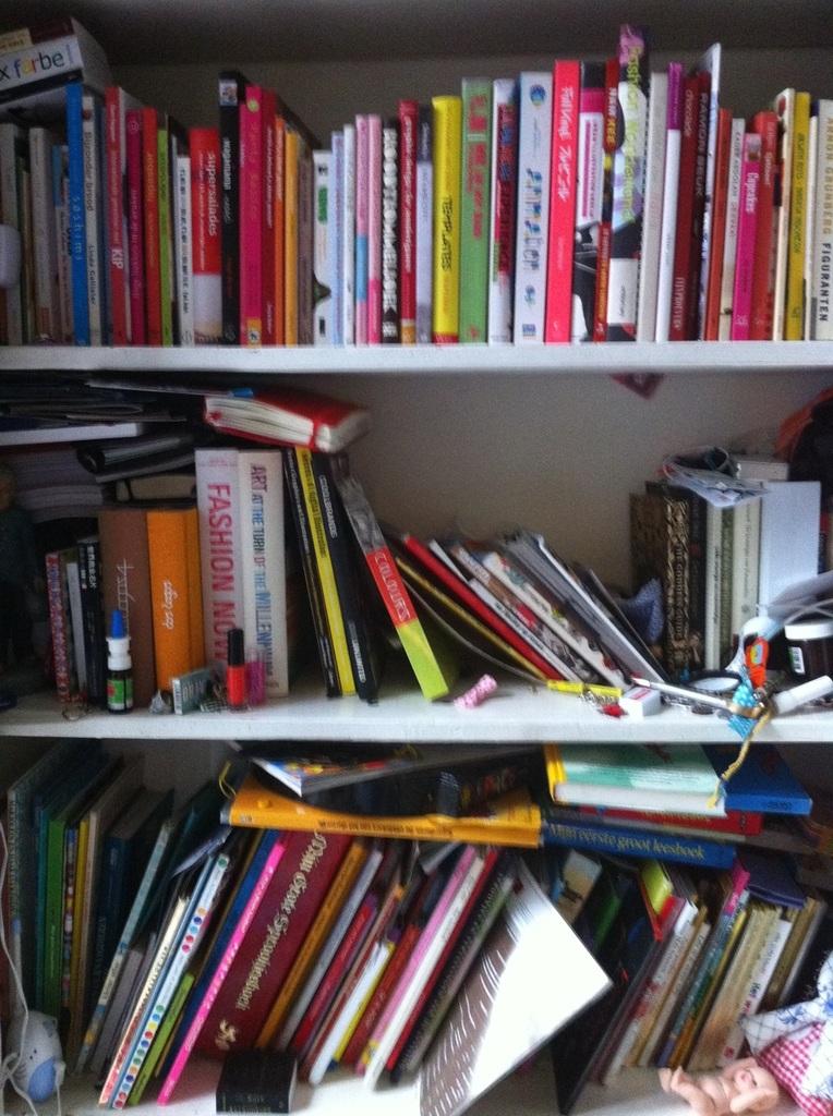 Net thuis van mu0026#39;n werk, meteen boekenkast opruimen.. #wasnodig Ik wil ...