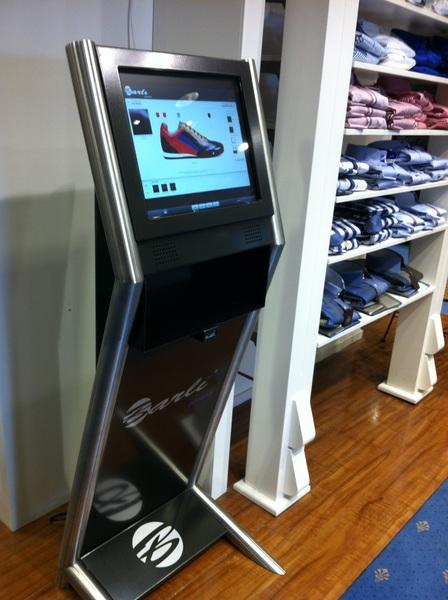 U kunt alvast uw eigen schoen ontwerpen @SchomakerMM @CentrumVeendam #veendam! Kom eens langs en probeer het maar!