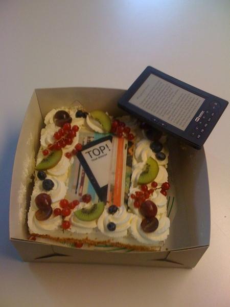 Ontvang een pakketje met heerlijkheid van  @bebook. We vieren vrolijk verder!