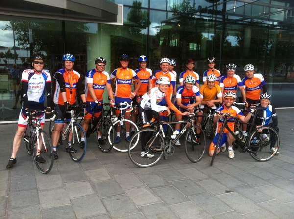 Ride with a Pro, PV Rabo op pad met pro @roxanneknetemann en ex pro's @robharmeling en @janweevers #raboliv #rabobank
