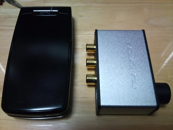 uDAC-2は携帯電話(W53S)より小さい!
