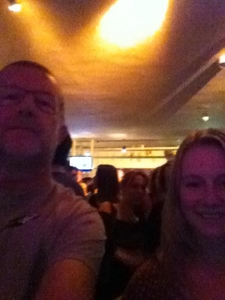 Iza en haar oom bij #Racoon in #tivoli