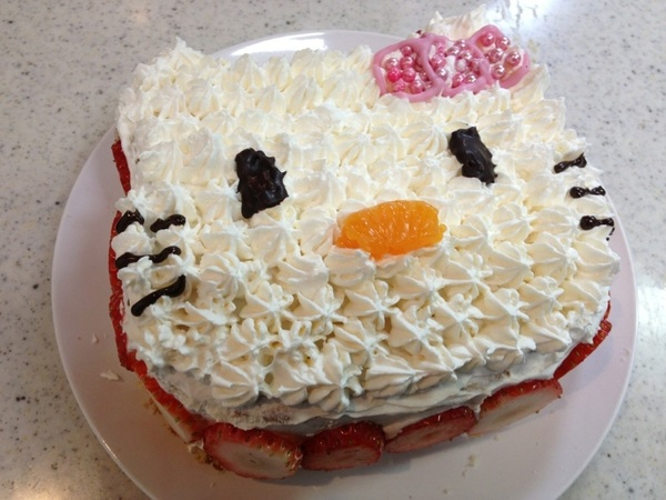 お正月に作ったキティちゃんケーキ♡ 今更あっぷ(・ิω・ิ)