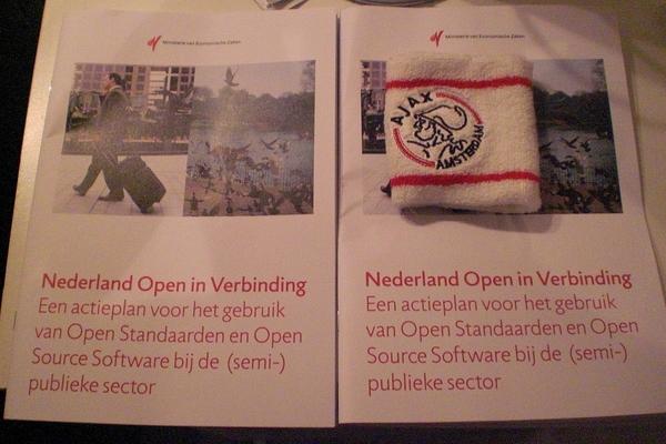 Nederland open in Verbinding, ook in Amsterdam #tweetupoa