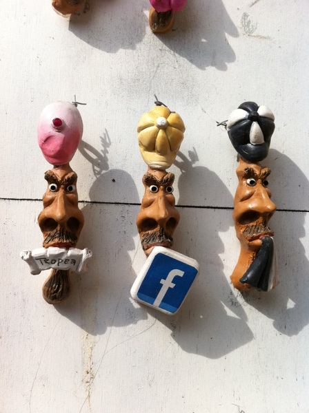 Facebook on the tongues of timeless faces of Tropea, Italy