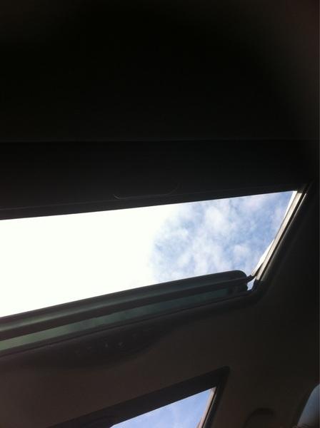 Ik houd van ons opendak raam <3 :D
