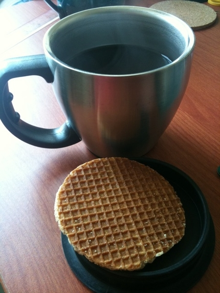 Fresh ground coffee, prepared using my @bialletti coffee maker and enjoying it with a stroopwafel