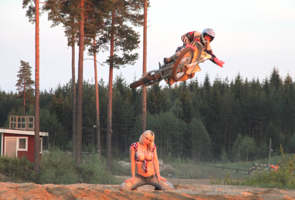 Beautiful sunny day at the MX track And I did some action pics RT if you want more!