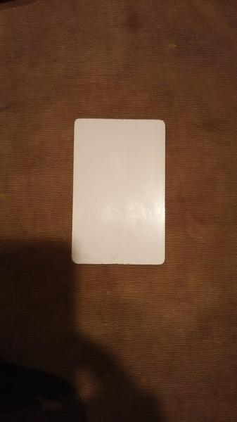 片付けしてたら懐かしいものが出てきた ポップンカードデータを引き継いだ最初のeパス だいぶやり込んだんだな 今使ってる2代目はラミ加工されてからのもの、加えてタッチ仕様に変わったので今でも綺麗です