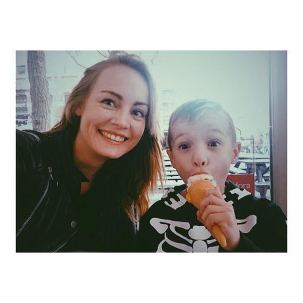 We hebben dit weekend heel gezond gedaan 😇 #logeetje #nephew #icecream #rotterdam