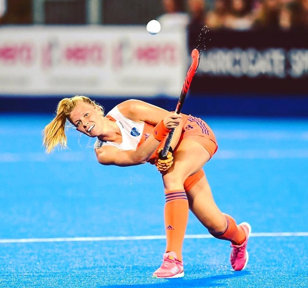 The sky is the limit! 🧡🏑✈️💫 Time for our first Pro League trip! #offtonewzealand #excited #dutchies #leggo