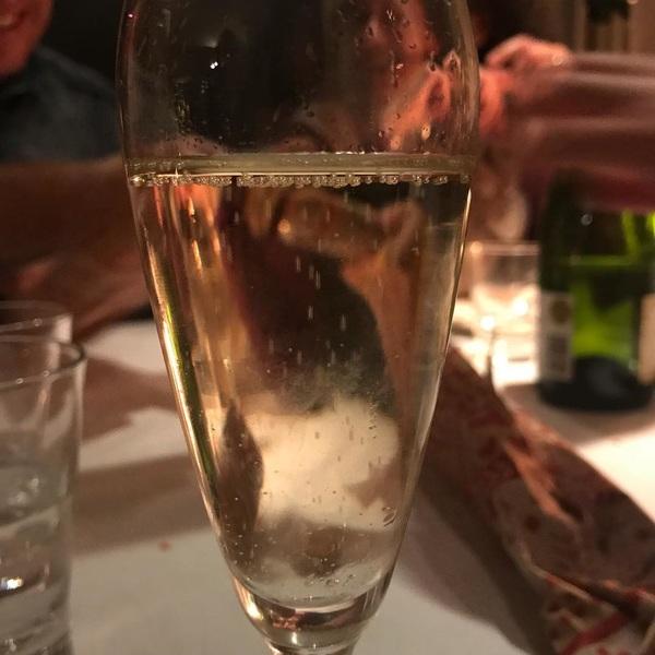Happy holidays! 🥂 #bubbels #proostopheelveeldingen #familieisgoudwaard #christmas