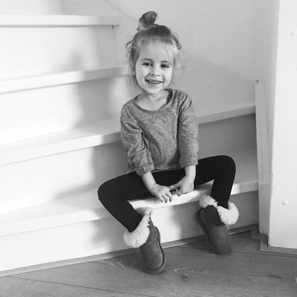 Dit meisje... ❤️ #ellagrace #alleenmaarhartjes #liefde #lachebekje