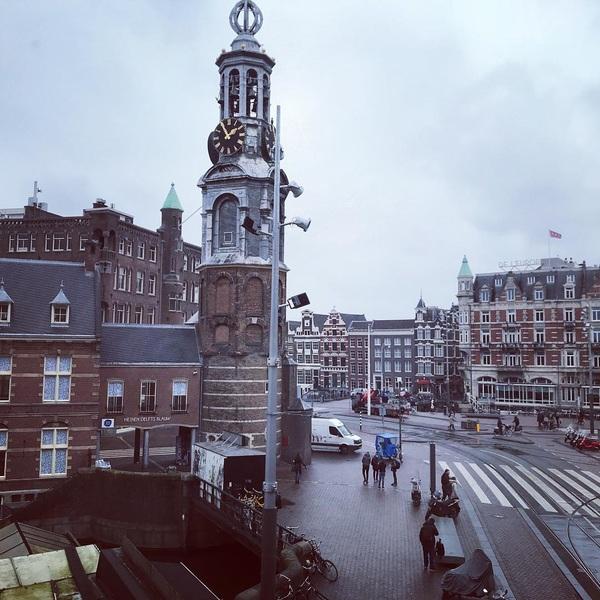 This is City center! #hotspot #amsterdam #termarsch #vijzelstraat #flowermarket