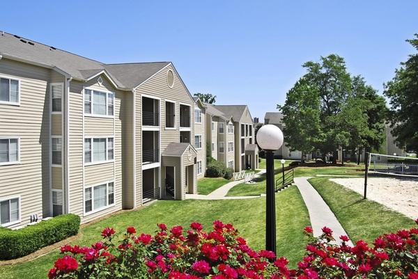 Looking Student Apartments Near University Of South Carolina – Riverside