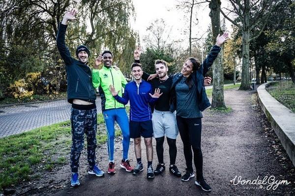 Twee jaar geleden begonnen we met de Fast Five: vijf kilometer hardlopen door het Vondelpark om jezelf te testen. Voor sommige lopers is het echt een wedstrijd, voor de meeste een leuke gelegenheid om met anderen een getimede 5km te lopen. Deze zaterdag is dus een jubileum Fast Five! Kom gezellig meedoen! We verzamelen om 13 uur in de Vondelgym. Lopers van alle niveaus zijn welkom! - 📸: @annemariedekkerphotography