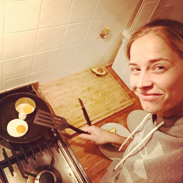 Goodmorning everyone! What are you guys having for breakfast? 🍳🥑 #sleepyhead #breakfast #paleo