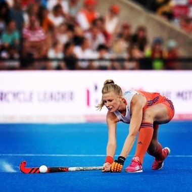 Ready for another gameday!! 💥🏑🧡 Tomorrow we face Australia at 5 pm (7u nl) #onemoresleep #leggo #fihproleague #gametwo