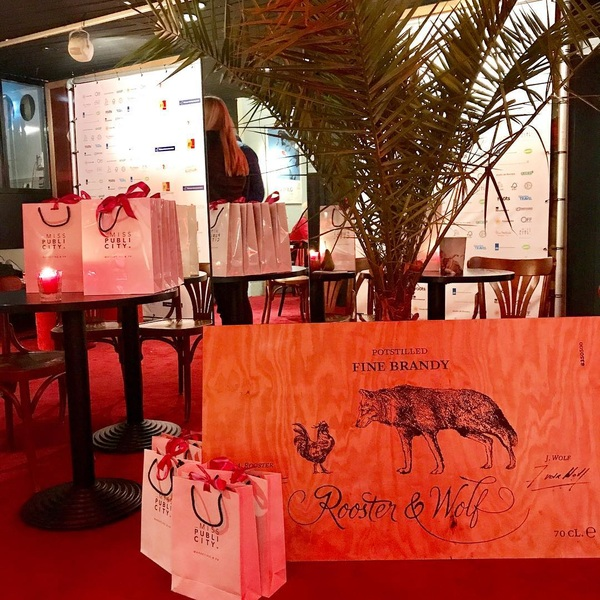Samen met @roosterandwolf adopteerden we de film Paris: A Wild Life Story tijdens het @wildlifefilmfestivalrotterdam. Het festival is er nog tot en met zondag! #wildlife #wffr #paris #filmfestival #rotterdam #misspublicitynl