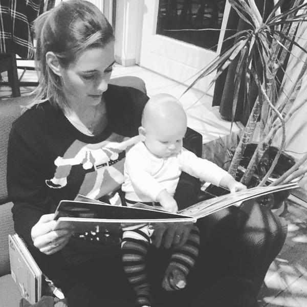 Samen boekjes lezen 😍 #mama #zoon #liefde #voorelkaar #Julian