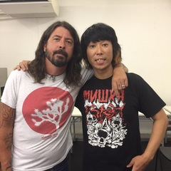 FOO FIGHTERS の Dave Grohl  と対談させてもらいました!是非読んでみてね( ´ ▽ ` )ノ  https://news.yahoo.co.jp/feature/746  #フーファイ #デイヴグロール #ハイスタ