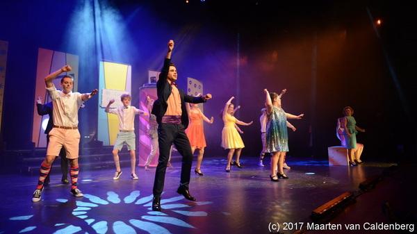 In @perron3 #rosmalen was vanavond de première van de #musical #hairspray van @2stagerosmalen