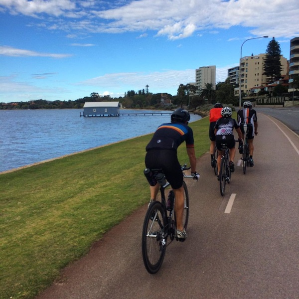 Cruisy river loop this morning with @pursuitcoachingtri squad.