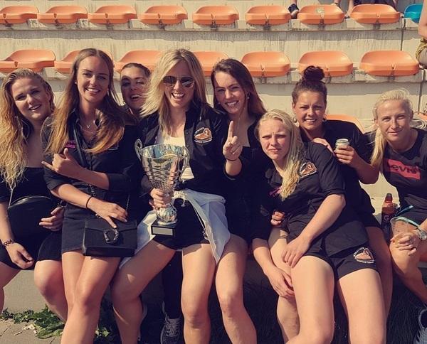 nr 1 met deze kampioenen 🏆💓 #rugby #sport #girls #champions