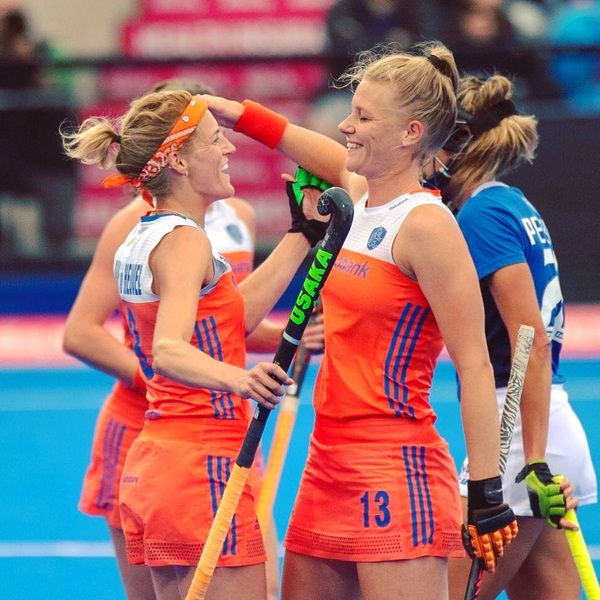 Nothing but respect for @carliendvdh what a career, be proud ma captain! Gonna miss having you by my side in Orange🧡 #whataplayer #fortheloveofthegame #memoriesmade