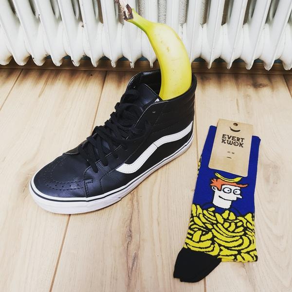 Het ideale schoencadeau: kwok sokken! #cartoon