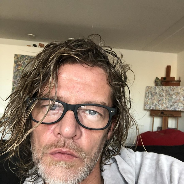 Jaja! Aan de bril... whaa. Staat dit of is er iemand die mij wil sponsoren met een mooie leesbril? #hah#duss #watnee