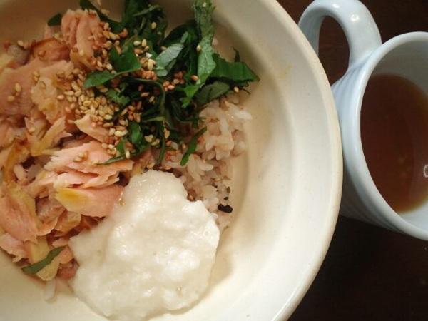 霜⛄焼け対策鮭🐟丼朝食☕