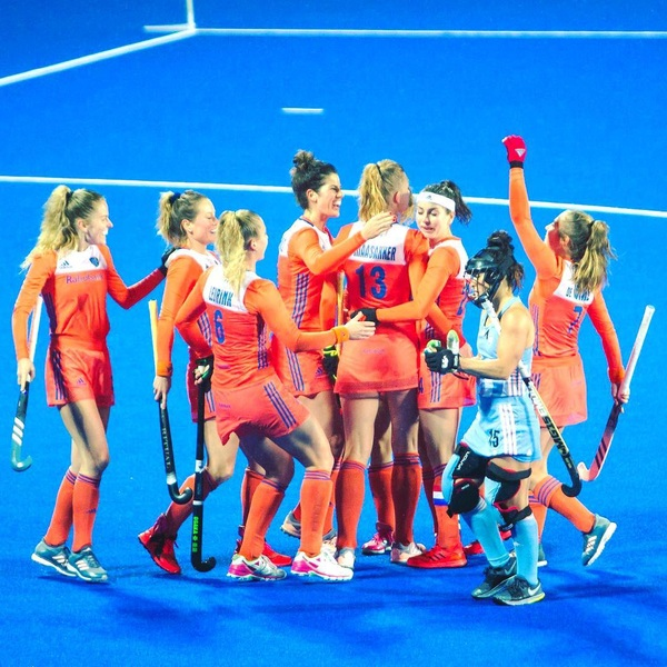 Two wins with the team🧡 #hugs #restday #hct2018