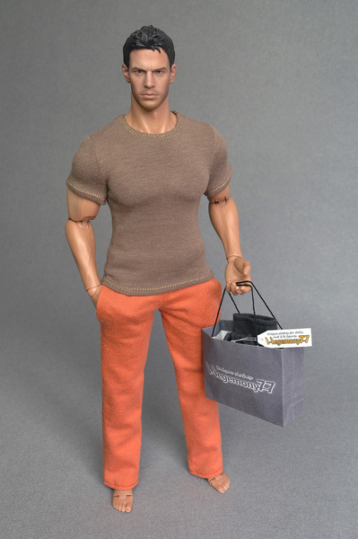 Hot Toys TTM 20 figure body in 1/6 scale XXL T-shirt and sweatpants / tracksuit jogging bottoms
