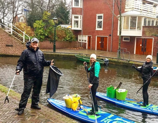 "When I was in my bed this morning listening to the rain on the rooftop I said.. you really must be a little (or a lottle) crazy to clean the canals because other people don't care... but it felt so nice once I was on the board wrapped up in warm gear supporting Nanda in her mission to clean up 2019 items before the start of the New Year💪🏼💪🏼💪🏼 you can also support her by donating if you don't want to face the cold😅 #linkinbio RepostBy @elkombisup: ""r a i n y  d a y s The forecast was quite horrible, but these ladies joined me anyway for an early morning clean up. Marion on land and Hester on board.  Now that's the spirit 💚🌟 . #changemakers #5gyresambassador #ifnotusthenwho #thereisnoplanetb #climatechange #plastic #plasticfree #zerowaste #environment #duurzaam #eco #cleanup #ocean #sustainable #starboard #starboardsup #suplife #explore #outdoor #starboard #sup #stand_up_paddle #paddleboarding #livethetikilife #alkmaar #catchoftheday"" (via #InstaRepost @AppsKottage)"