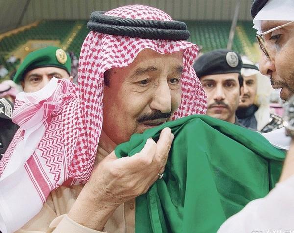 دمت ياخادم الحرمين الشريفين الملك سلمان  فخراً للبلاد وعزها..