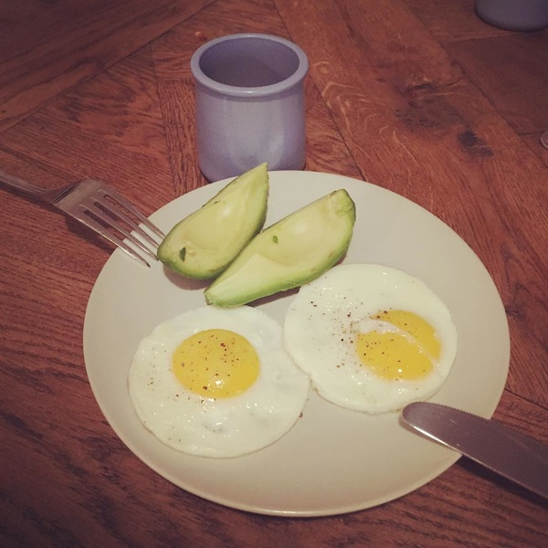I love it when my eggs turn out like this! Start your day good! #breakfast 🍳🥑